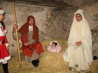 Rappresentazione natività. NATALE 2007 - Pastorale a Castelmola con vari presepi caratteristici per le vie del paese.    - Castelmola (2583 clic)