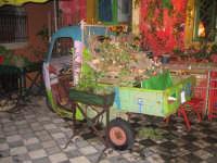 Presepe 'a lapa NATALE 2007 - Pastorale a Castelmola con vari presepi caratteristici per le vie del paese.   - Castelmola (4142 clic)