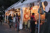 Piccola fiera in Piazza Duomo a Messina. Gennaio 2008- ph Valdina Calzona  - Messina (2065 clic)