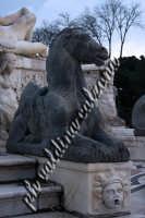 Parti della magnifica fontana in Piazza Duomo a Messina. Gennaio 2008- ph Valdina Calzona  - Messina (1631 clic)