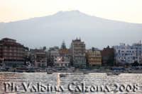 Panorama di Giardini Naxos visto dal porto. Foto Valdina Calzona  - Giardini naxos (2179 clic)