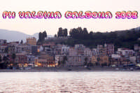 Panorama di Giardini Naxos visto dal porto. Foto Valdina Calzona  - Giardini naxos (3054 clic)
