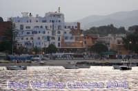 Panorama di Giardini Naxos visto dal porto. Foto Valdina Calzona  - Giardini naxos (3426 clic)