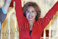 Corinne Clery durante la commedia teatrale: 8 donne e un mistero-Agosto 2007  - Zafferana etnea (2572 clic)