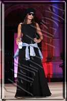 Sfilata di moda a piazza universita'. Ph Valdina calzona 2009  - Catania (2689 clic)