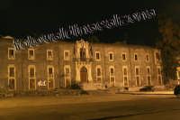 Caserma Sant'Angelo Fulci a Piazza Carlo Alberto di notte-Dicembre 2007  - Catania (2161 clic)
