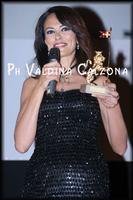 L'affascinante Maria Grazia Cucinotta al Taormina FilmFest. Ph Valdina Calzona 2010  - Taormina (3233 clic)