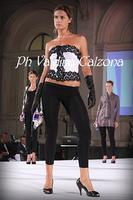 Sfilata di moda a piazza universita'. Ph Valdina Calzona 2010  - Catania (2473 clic)