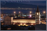 Stupefacente scenario notturno. Messina con sfondo la calabria. Ph valdina Calzona 2008  - Messina (2571 clic)