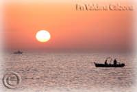 Stupefacente Alba dalla spiaggia della Playa.. Ph Valdina Calzona Maggio 2009  - Catania (4158 clic)