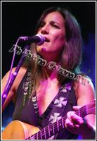 Paola Turci alle Ciminiere. Ph Valdina Calzona 2010  - Catania (2909 clic)