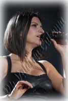 Laura Pausini in concerto al Palasport di Acireale. Marzo 2009 Ph Valdina Calzona  - Acireale (3326 clic)