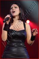 Laura Pausini in concerto al Palasport di Acireale. Marzo 2009 Ph Valdina Calzona  - Acireale (3446 clic)