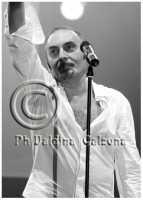Mango in concerto..al teatro metropolitan di catania. Ph Valdina Calzona 2010  - Catania (2900 clic)