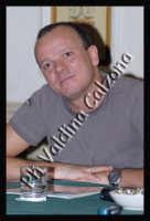 Gigi D'Alessio in conferenza stampa all'hotel Villa del Bosco-Settembre 2007  - Catania (1544 clic)