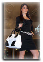 Sfilata di moda al Centro Commerciale I Portali..San Giovanni La Punta. Ph Valdina Calzona 2009  - Catania (4220 clic)