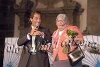 Ruggero Sardo con la signora Santina- Agosto 2007  - Viagrande (4420 clic)