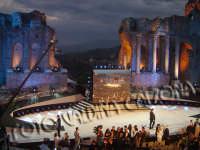 Teatro Greco di taormina durante la manifestazione della kore..sfilata di moda. ph valdina calzona  - Taormina (3234 clic)