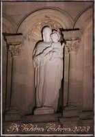 Una parte della chiesa madre di Zafferana...questa foto rappresenta tutto ciò che ho sempre desiderato dalla vita...'Una Madre'. Ph Valdina calzona 2008  - Zafferana etnea (1511 clic)