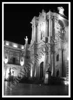 la bella e luminosa cattedrale in versione bianco e nero-ph valdina calzona  - Siracusa (2089 clic)