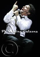 Massimo Ranieri in concerto al teatro metropolitan di catania.. Ph Valdina Calzona 2010  - Catania (2249 clic)
