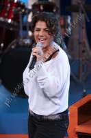 La stupefacente Manuela Villa mentre si esibisce nella sua nuova canzone- gennaio 2008  - Catania (1325 clic)