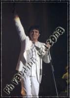 Renato Zero in concerto..il sogno continua..al Palasport di Acireale. 28.11.2004 Ph Valdina Calzona   - Acireale (4259 clic)