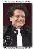 Massimo Ranieri in concerto al teatro metropolitan di catania.. Ph Valdina Calzona 2010  - Catania (2340 clic)