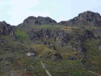 Queste sono le rocce che caratterizzano il piccolo paesino di Alcara  - Alcara li fusi (6189 clic)