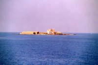 Isoletta non molto distante dalla costa.  - Trapani (1709 clic)