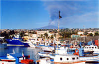 Al porto di Ognina, eruzione 2002  - Catania (6348 clic)