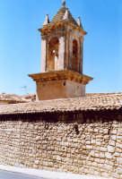 Campanile lungo la strada che conduce al Castello dei Conti.  - Modica (2170 clic)