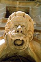 Palazzo Beneventano, particolare di una maschera rappresentante un saraceno. SCICLI Giuseppe Zingari