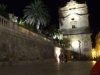 Chiesa di Santa Lucia e l'ingresso all'Ipogeo romano  - Siracusa (1783 clic)