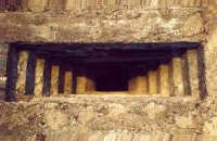 Bunker della II Guerra Mondiale alla stazione FS di Catania centrale.  - Catania (4856 clic)