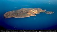 Isole Eolie. Veduta aerea dell'Isola di Vulcano  - Vulcano (15548 clic)