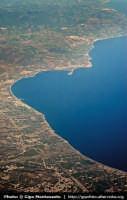 Veduta aerea del Golfo di Patti con il promontorio di Tindari e Portorosa  - Tindari (7755 clic)