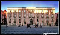 Palazzo dell'Università. Piazza Università  - Catania (2325 clic)