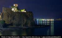 Panorama notturno del Castello e della cittadina di Acitrezza  - Aci castello (2233 clic)