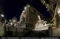 Il Duomo, palazzo dei Chierici e la fontana dell'Amenano. Progetto Catania in 8mm... a cura di Gipo Montesanto  - Catania (2224 clic)