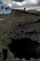 Rifugio nei pressi di Monte Nero degli Zappini, agosto 2005  - Etna (2078 clic)