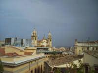 Vista da un tetto del quertiere vecchio di palermo.   - Palermo (2452 clic)