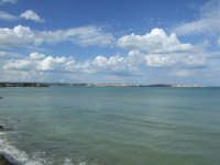 isola di ortigia vista da lato opposto   - Siracusa (2492 clic)