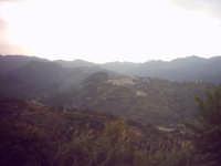 Veduta di Monforte con lo sfondo dei Peloritani.  - Monforte san giorgio (7565 clic)