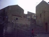 Il borgo intorno al Duomo.  - Roccavaldina (5490 clic)