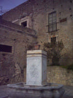 Fontana di Piazza Lea  - Roccavaldina (6520 clic)