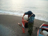 Fiumefreddo di Sicilia pescatore locale  - Marina di cottone (3589 clic)