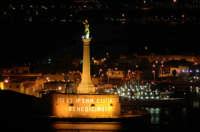 Madonnina dello Stretto di Messina fotografata di notte  - Messina (12682 clic)