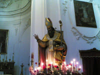 Un particolare della vara con la statua del santo patrono, s.s. nicola di bari, nel giorno della sua