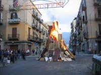 Enorme catasta di legni al fuoco tradizioni che scompaiono a Palermo I VAMPI DI SAN GIUSEPPE  PAL